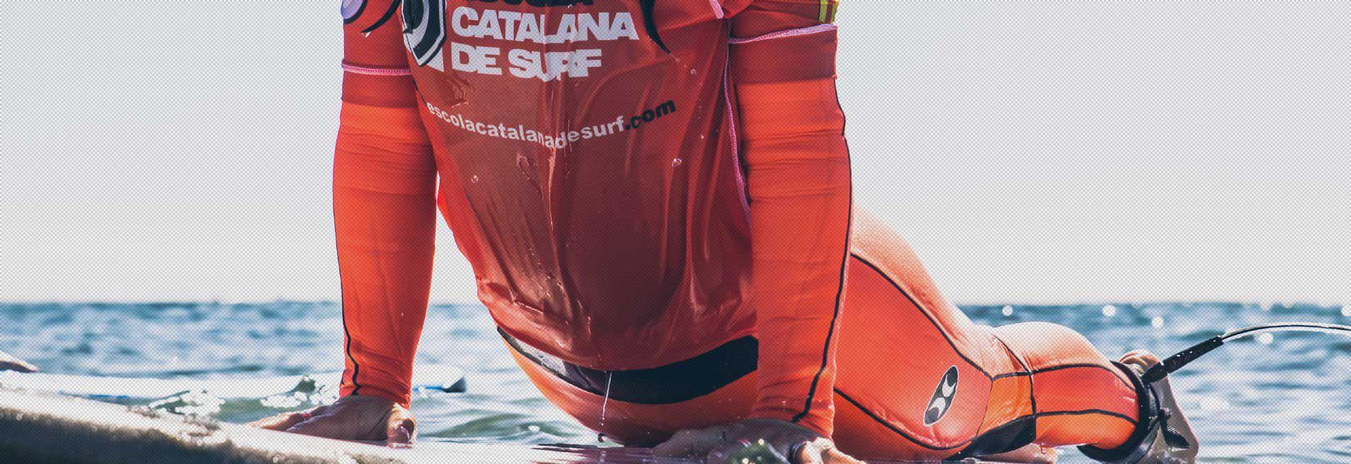 Curs mensual de surf per a adults a partir de 89€